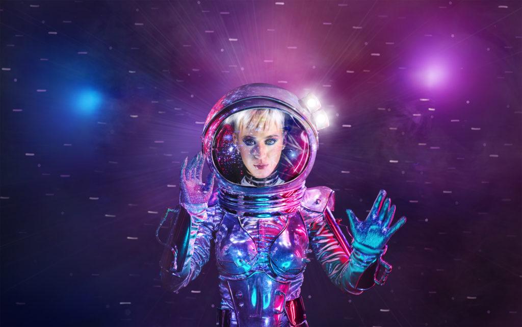 Moonwoman Katy Perry moderiert die MTV VMA - Video Music Awards - 2017